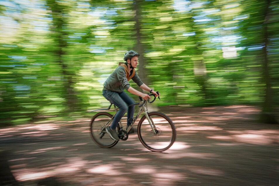 Gravel-Bikes lassen sich auf nahezu jedem Untergrund gut fahren und sind bei jungen Leuten beliebt. Davon soll künftig auch die Oberlausitz profitieren.