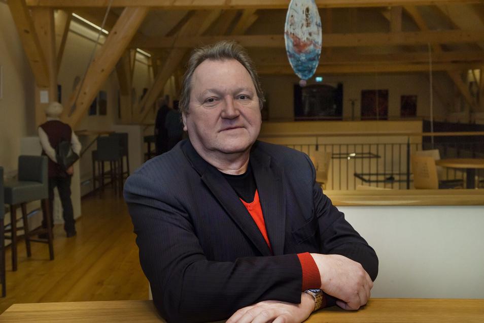 Eckhard Brähmig, der Geschäftsführer des Festivals Sandstein und Musik, am vergangenen Sonntag im Rittergut Limbach.