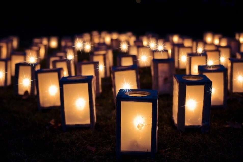 Unzählige Lampions bringen das Lichterfest zum Leuchten.