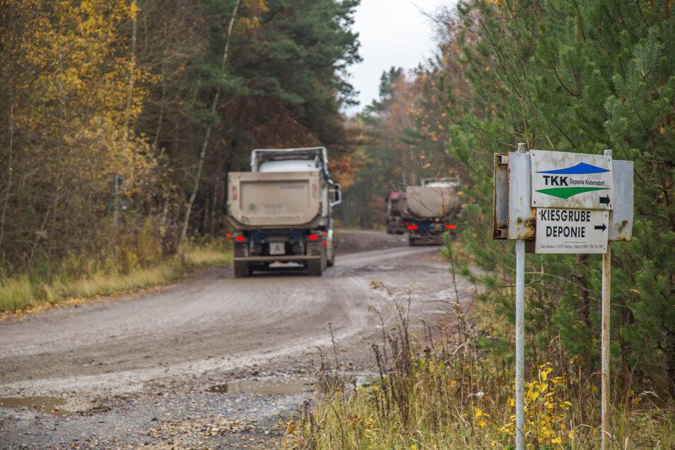 """Noch immer ist die Tatrastraße ein Streitpunkt im Genehmigungsverfahren für die neue """"Deponie am Forst"""". Nach einer Gerichtsverhandlung prüft die Landesdirektion Sachsen nun weiter - mit offenem Ausgang."""