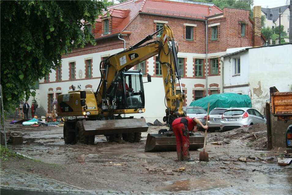Das Wasser sorgte für  Verwüstungen in dem hochwassergeplagten Stadtteil.