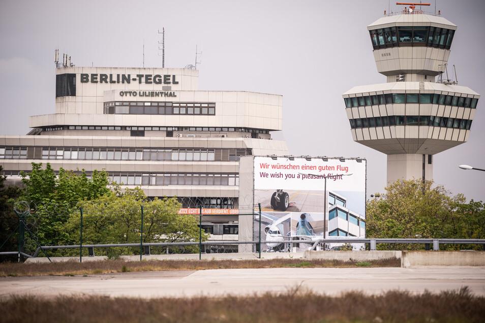 Zuletzt flogen an den Berliner Flughäfen Tegel und Schönefeld nur etwa 2.000 Passagiere pro Tag. Das Hauptabfertigungsgebäude in Tegel ist schon seit Mitte März geschlossen.