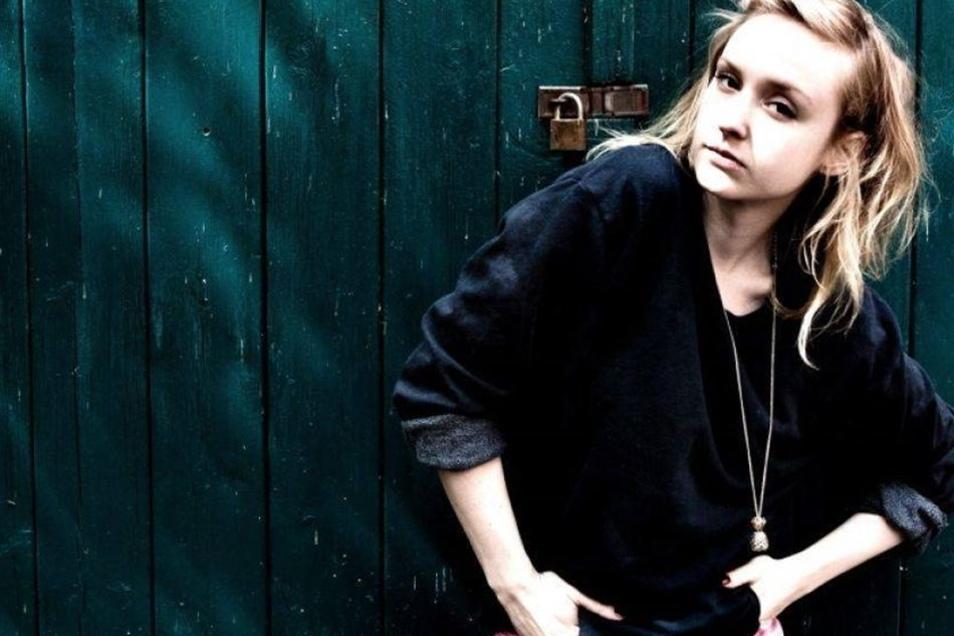 """Leslie Clio (29), die mit ihrem Hit """"I couldn´t care less"""" die Charts eroberte, wird auch in Freital sein."""