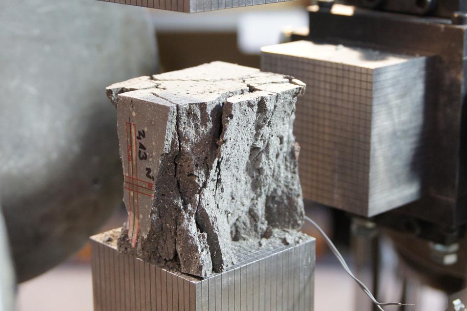 Im TU-Labor wurde der Beton für die Kapsel ausgiebig getestet.