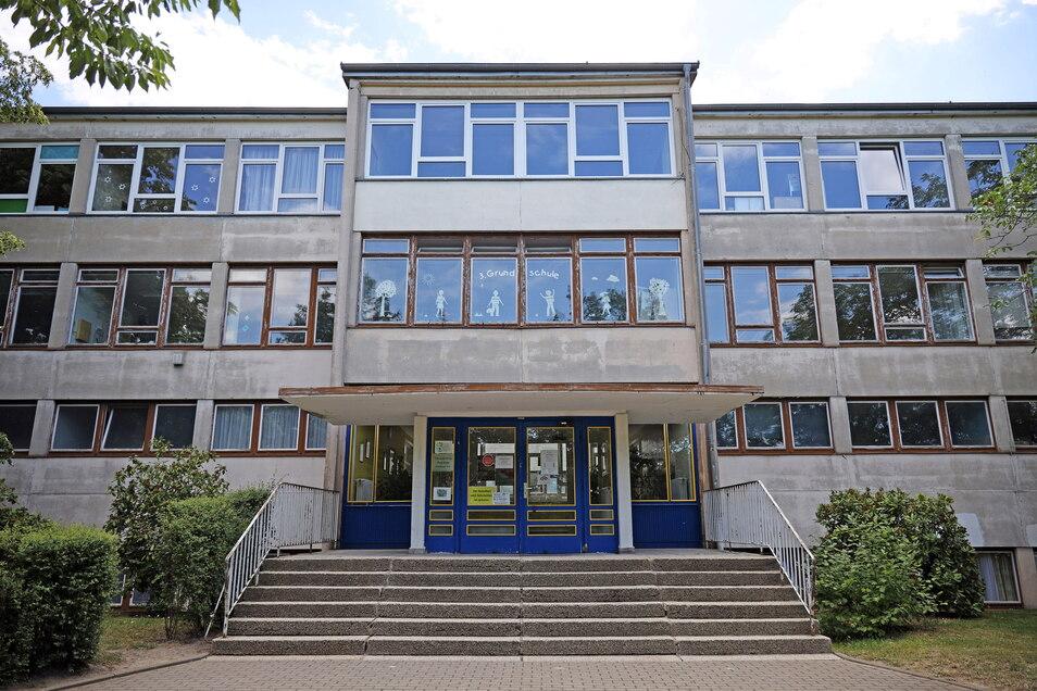 Die 3. Grundschule in Weida ist eine von zwei Riesaer Grundschulen, für die die Stadt jetzt eine Förderzusage bekommen hat. Laut OB Müller sollen die bewilligten Gelder in die Schulausstattung fließen.