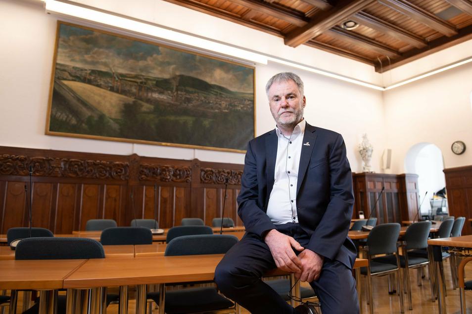 Uwe Rumberg ist seit fünf Jahren Chef im Freitaler Rathaus. Die Zeit hinterlässt auch bei ihm politische Spuren.