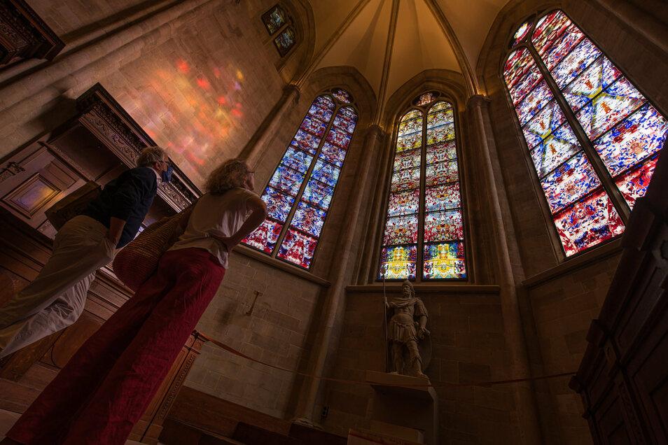Nach ihrer Fertigstellung wurden die drei von dem Künstler Gerhard Richter gestalteten Chorfenster der Abteikirche Tholey vor wenigen Tagen erstmals der Öffentlichkeit präsentiert.