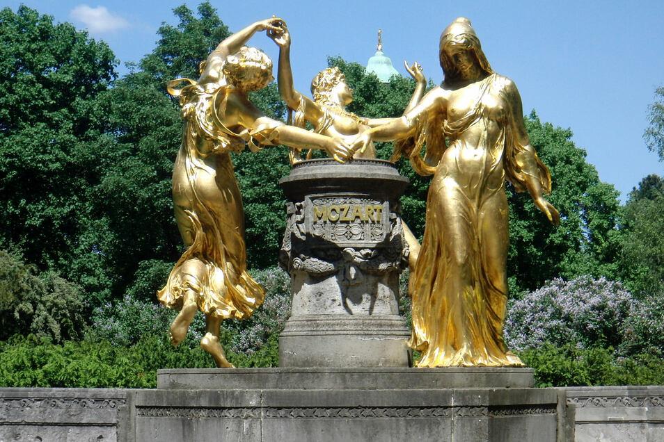 Eine Figur des Mozartbrunnens an der Bürgerwiese soll in dem Neubau integriert werden.