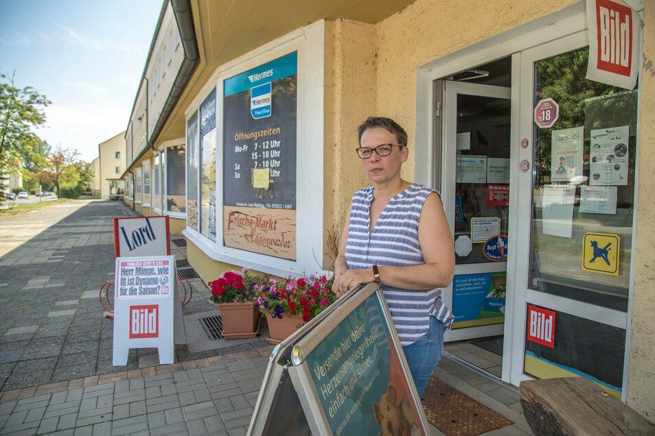 Jana Mathieu vergangenen Sommer vor ihrem Markt auf der Karl-Marx-Straße: Damals war noch durchhalten die Devise. Nun ist der Markt doch zu.