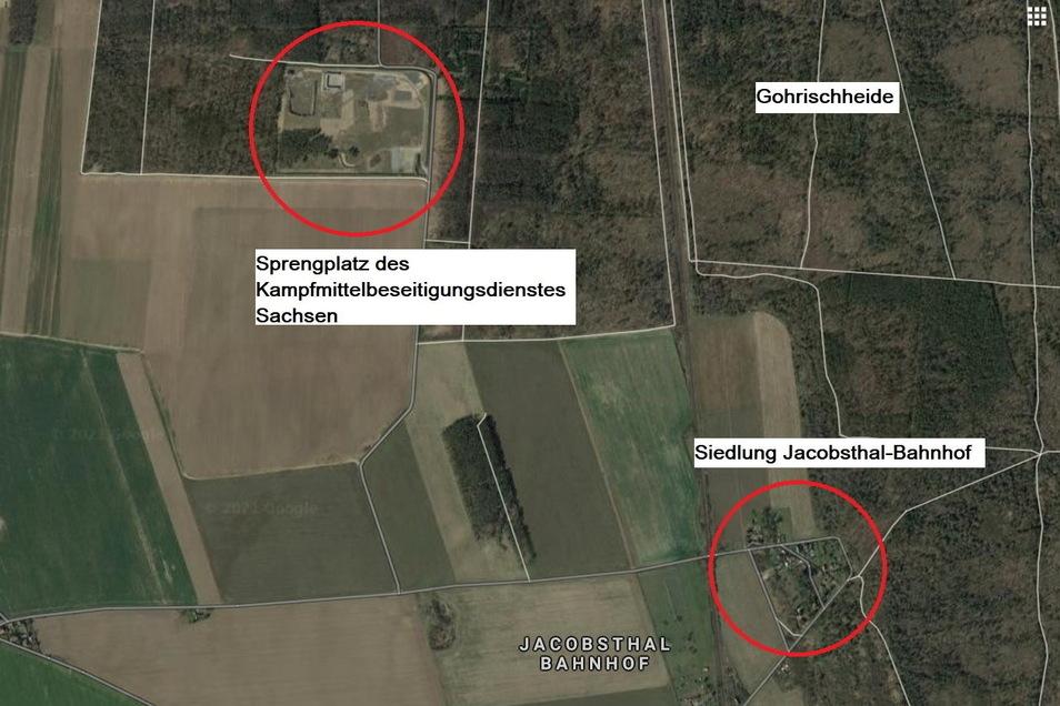 Der Sprengplatz liegt etwa 1,6 Kilometer Luftlinie von der Siedlung Jacobsthal-Bahnhof entfernt.