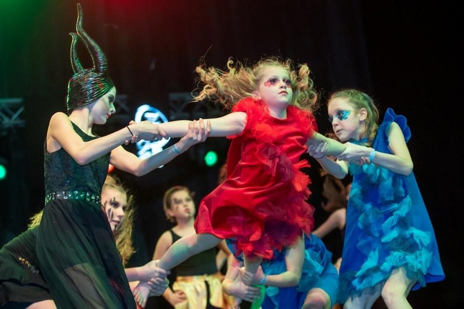 Auch Kids aus Weißwasser starteten im Show Dance: Die Sweet Hoppers brachten das Publikum zum Feiern.