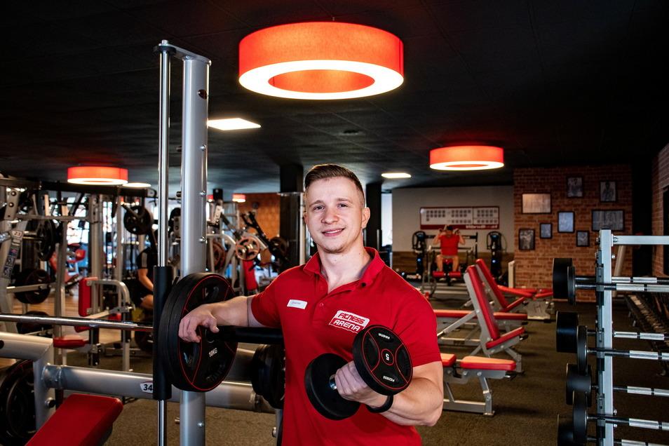 Johannes Jentzsch, Studioleiter der Fitness Arena in Döbeln, hat mehr als tausend Kunden gelistet. Einige von ihnen trainieren jetzt auch nachts.