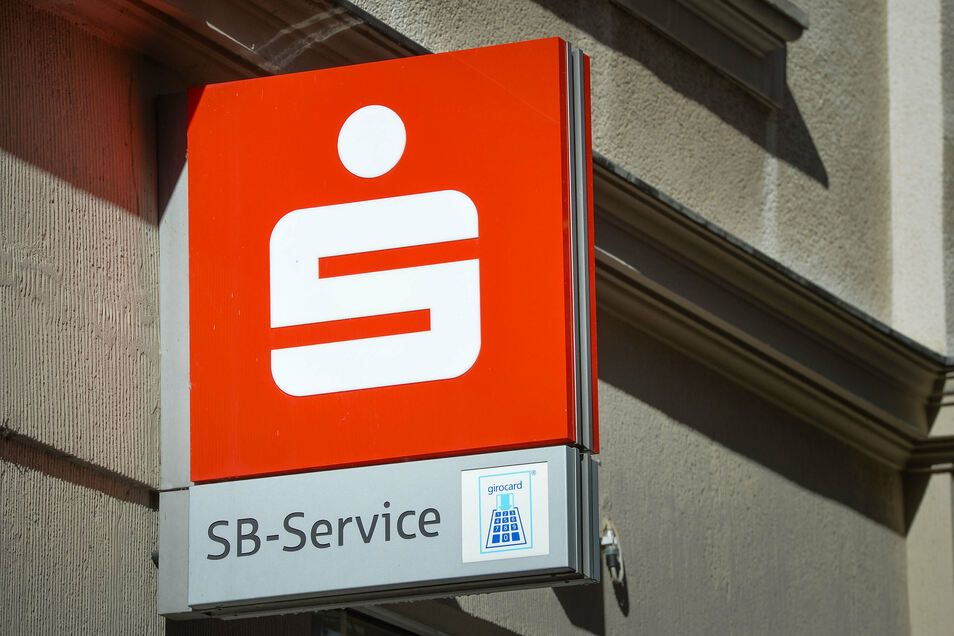 In Schwepnitz bleibt die Sparkassenfiliale dauerhaft geschlossen. Künftig gibt es nur noch ein Selbstbedienungs-Terminal.
