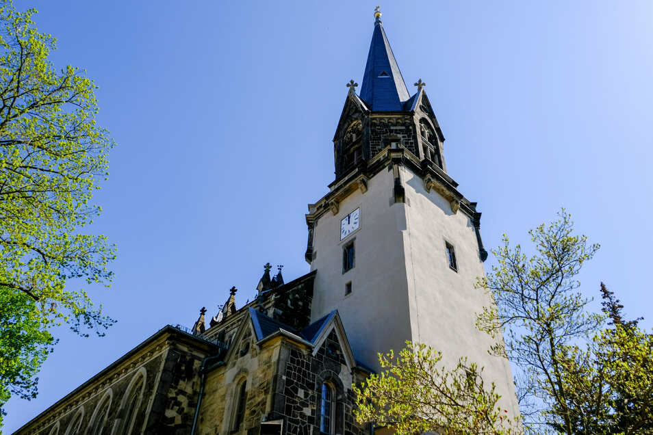 Auch in der Radebeuler Friedenskirche werden Führungen angeboten. Zum Abschluss gibt es eine Musikalischen Vesper mit Flöte und Orgel.