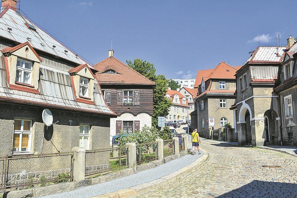 Blick in die Liebiegstadt im heutigen Liberec: Bedeutende Textilfabrikanten hatten sie für die Arbeiter errichtet, als die Stadt noch Reichenberg hieß.