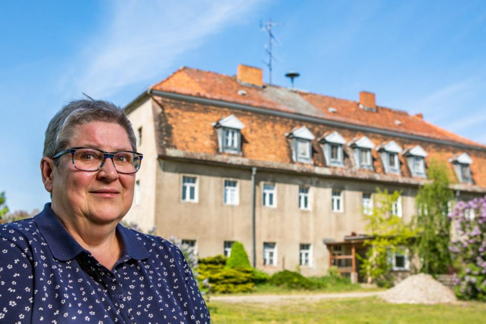 """""""Es strahlt Ehrwürdigkeit aus"""", bemerkt Johanna Gruner über das sogenannte Dannenberghaus. Sie macht sich auch für die Klärung der Eigentumsverhältnisse stark."""