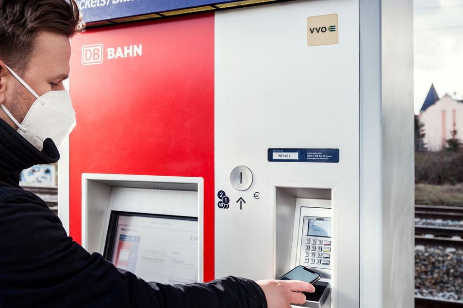 Der Ticketkauf für Bus und Bahn im Kreis Meißen wird komfortabler. Der Verkehrsverbund modernisiert die Fahrkarten-Automaten.