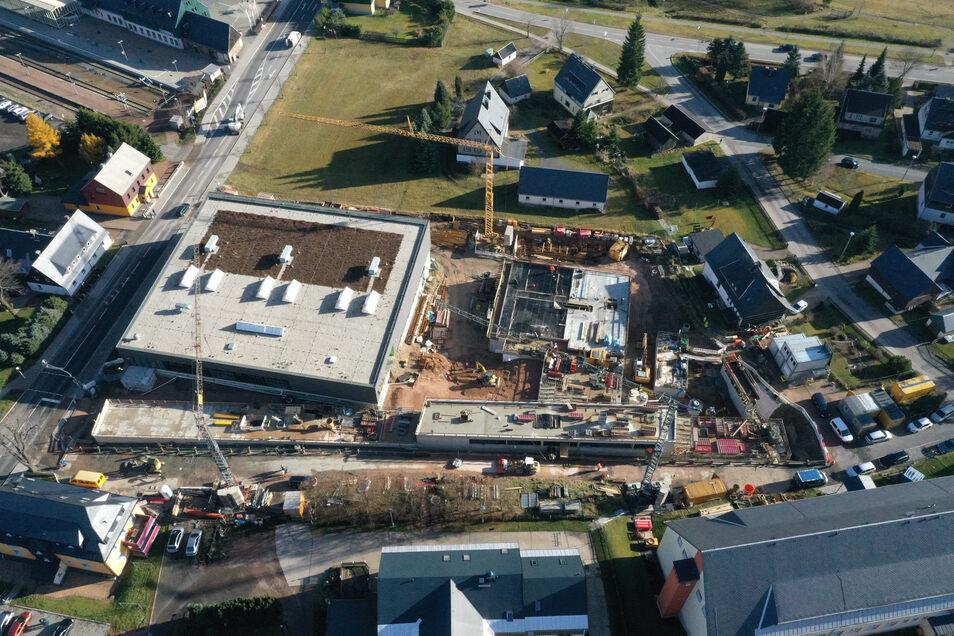 Blick auf die Baustelle, wo inzwischen schon mehr fertiggestellt ist.