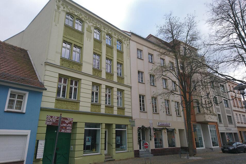 In der Hoyerswerdaer Bahnhofstraße, heute Friedrichsstraße, entstand auch dieses Haus im Jugendstil.