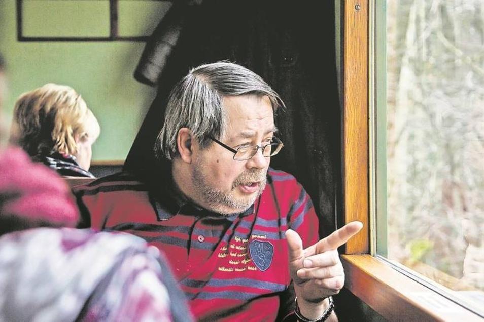 Modellbahnfan Jürgen Reißbach aus dem niedersächsischen Walsrode hat sich mit der Fahrt in der historischen Weißeritzbahn einen lang gehegten Traum erfüllt.