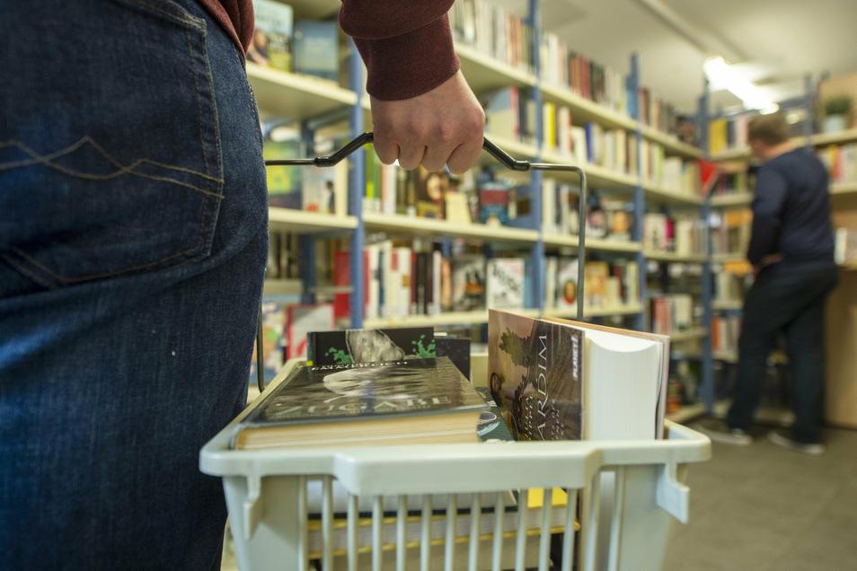 Volle Körbe sind jetzt normal in der Heidenauer Bibliothek.