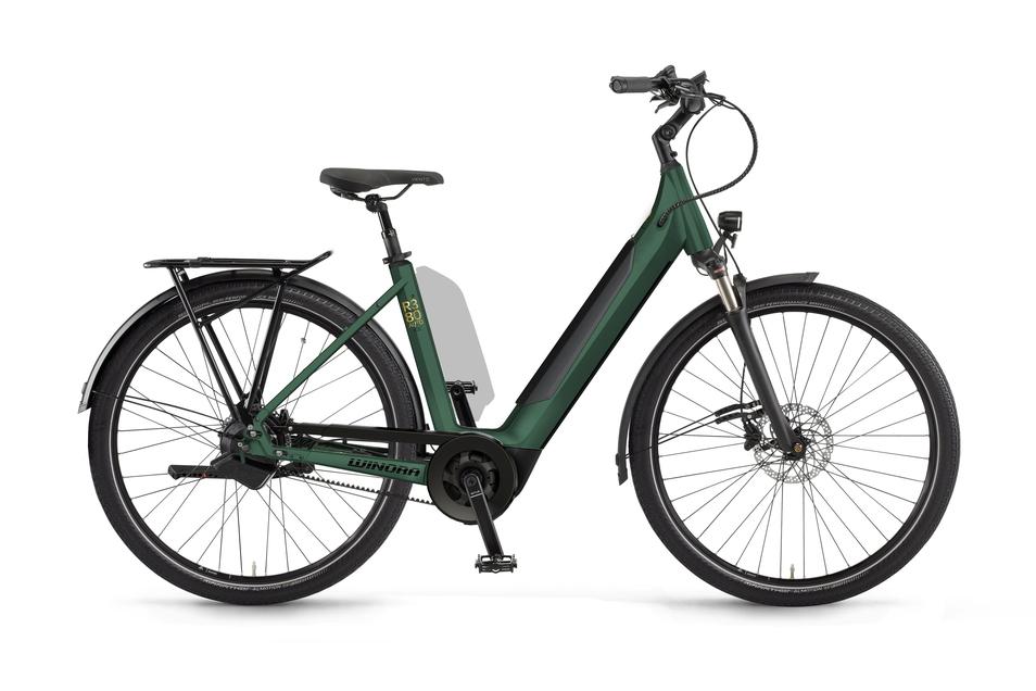 Das Sinus R380 auto von Winora ist ein klassisches City-E-Bike mit tiefem Durchstieg, stufenloser Automatikschaltung und wartungsarmem Riemenantrieb. Ein zweiter Akku am Sattelrohr sorgt für mehr Reichweite. Preis: rund 4.600 Euro.