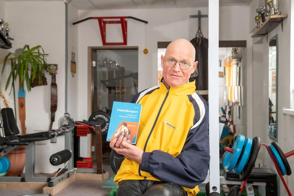 Detlev Kraft aus Deschka ist selbst Diabetiker, hat als Kickboxer aber große sportliche Erfolge erzielt. Jetzt hat er seine Erfahrungen über den Diabetikersport aufgeschrieben.