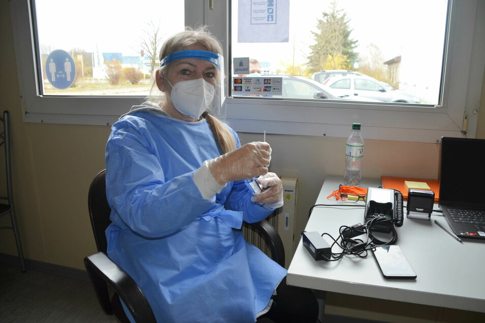 Izabela Wyrzykowska ist Pharmazeutin und gehört zu den fünf Mitarbeitern des neuen Testzentrums in Markersdorf.