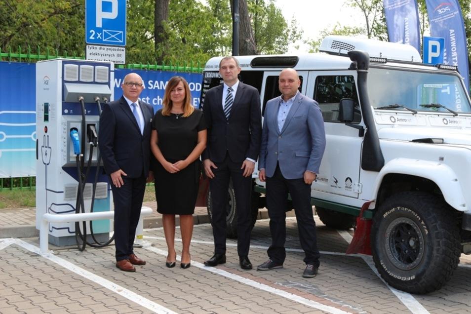 Im Kraftwerk Turow steht die erste Ladestation in der Gemeinde Bogatynia, die Besitzer von Elektroautos nutzen können.