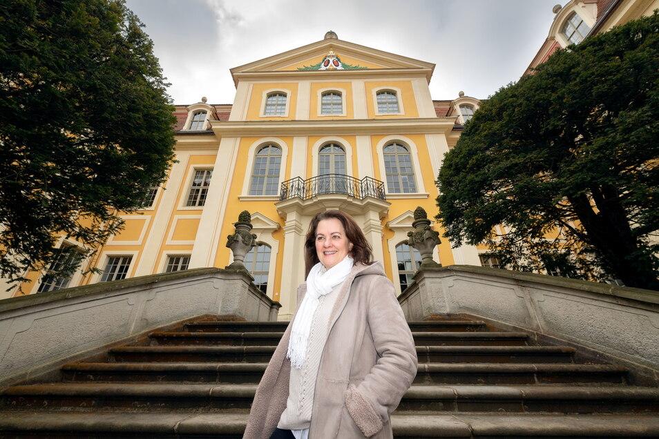 Ines Eschler leitet das Rammenauer Barockschloss, dessen Geschichte vor 300 Jahren begann.