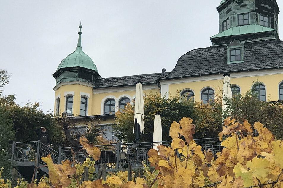 Das Spitzhaus oberhalb der Radebeuler Weinberge ist eins der Wahrzeichen der Stadt.