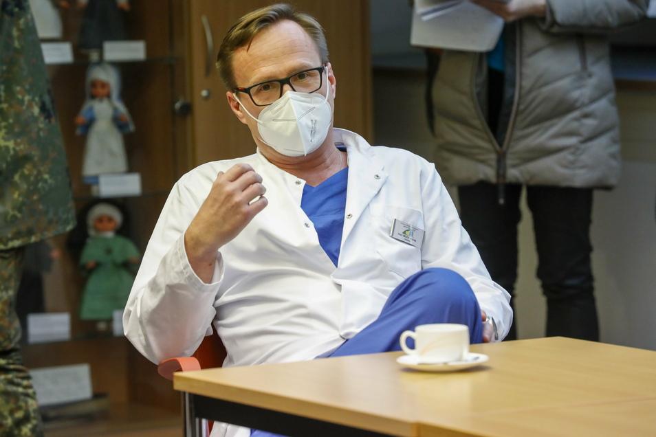 Der Chefarzt der Klinik für Anästhesie und Intensivmedizin am Standort Zittau, Dr. Radovan Novák.