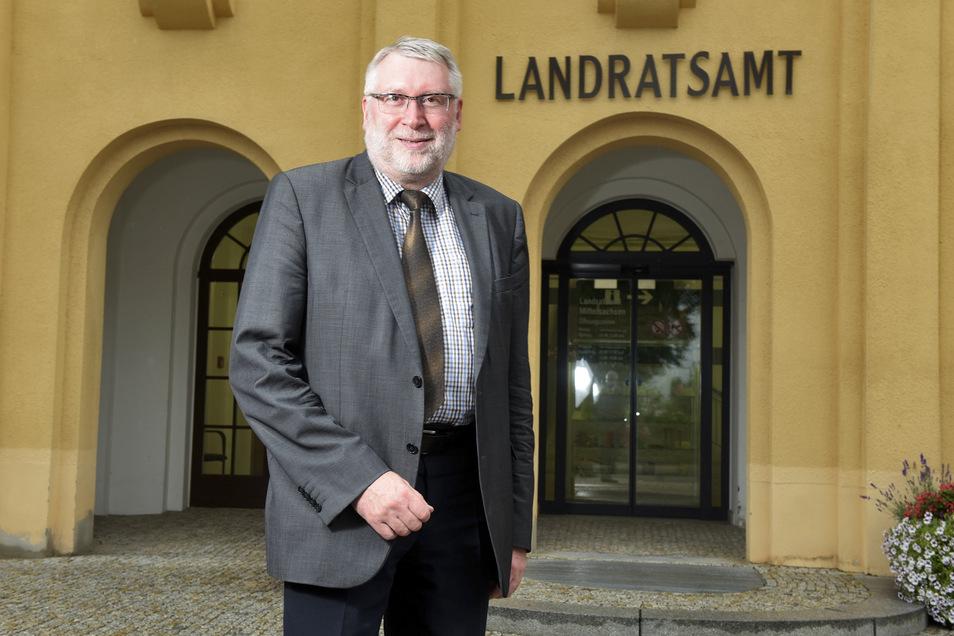 """Landrat Matthias Damm (CDU): """"Es ist sehr erfreulich, dass die Zahlen stabil sind, aber wir müssen weiterhin die aktuelle Entwicklung abwarten."""""""