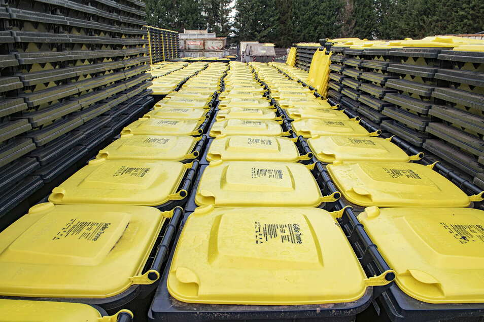 Noch stehen Hunderte Tonnen beim Entsorger Remondis in Quersa. In den nächsten Wochen werden sie im Altkreis Riesa verteilt.