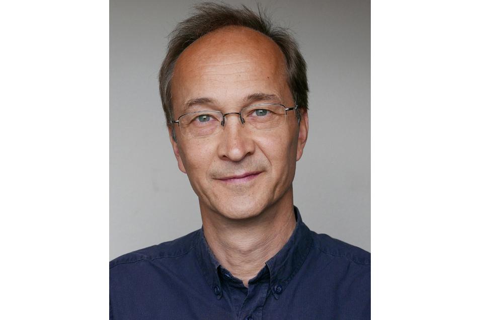 Dr. Martin Grunwald (Jahrgang 1966) ist Experimentalpsychologe und gilt als Pionier der Haptikforschung. Der gebürtige Sachse ist Gründer und Leiter eines Haptik-Forschungslabors am Paul-Flechsig-Institut für Hirnforschung, das zur Medizinischen Fakultät