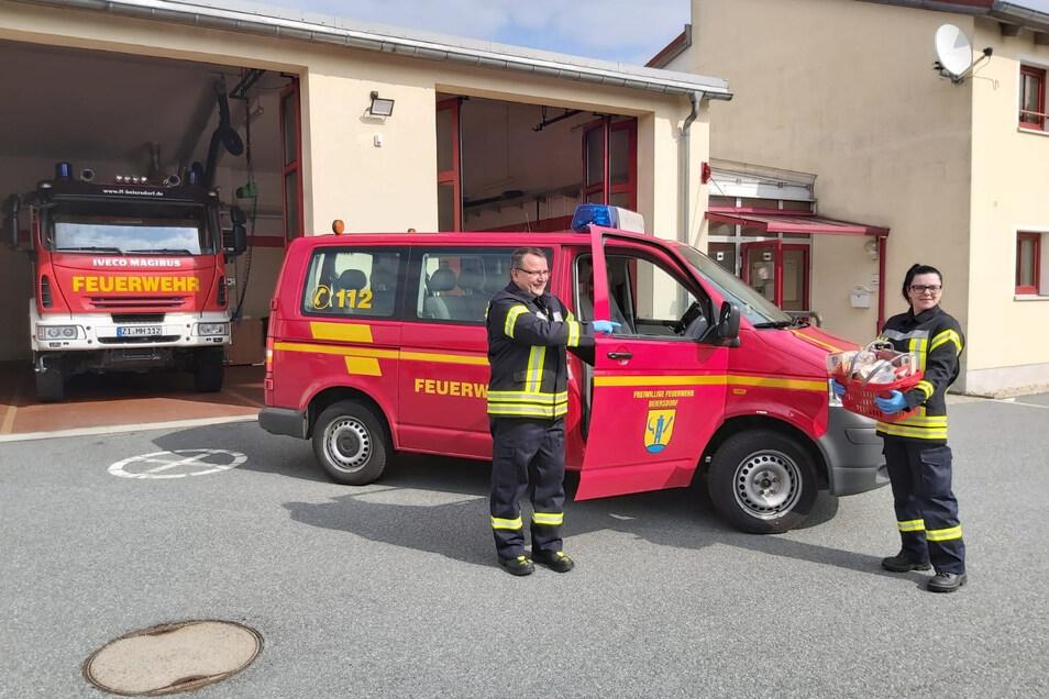 Die Beiersdorfer Feuerwehrleute erledigen in der Corona-Krise Einkäufe und andere Gänge für Senioren und die Risikogruppen.