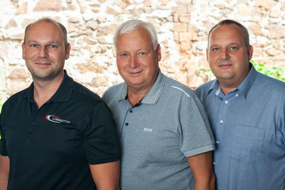 Michael Lassotta, Frank Lassotta und Roman Lassotta (v. links) arbeiten täglich daran, ihren Kunden ein Kauferlebnis zu präsentieren.
