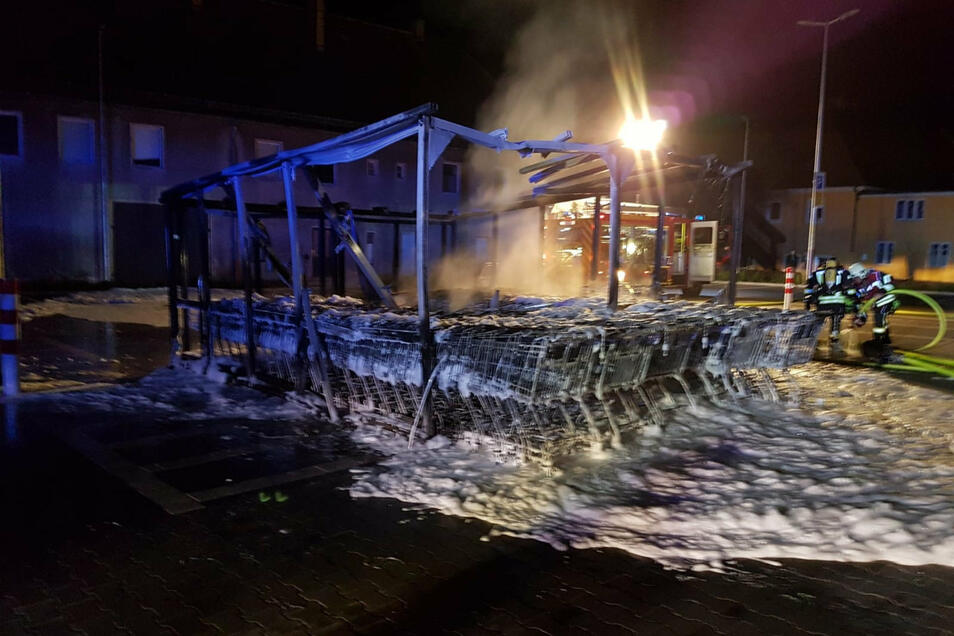 Der Unterstand am Netto-Markt in Königswartha war nicht mehr zu retten.