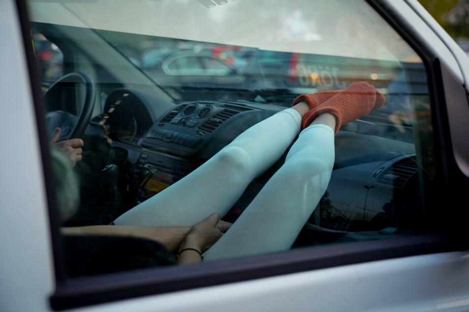 Viele Besucher machten es sich im eigenen Auto gemütlich.