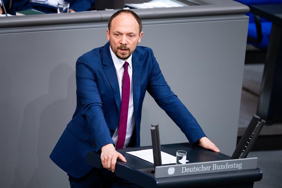 Marco Wanderwitz (CDU) ist der neue Ost-Beauftragte der Bundesregierung und Nachfolger von Christian Hirte. Hirte hatte sein Amt nach einem freudigen Kommentar zur Ministerpräsidentenwahl in Thüringen aufgeben müssen.