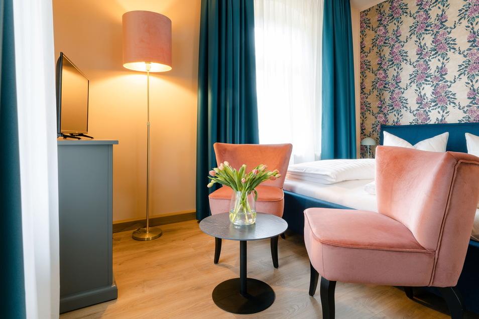 Rhododendren sind typisch für Gohrisch. Die Alpenrosen finden sich zum Beispiel an den Wänden in den Ferienzimmern wieder.