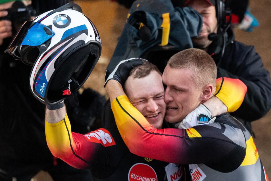 Francesco Friedrich (l) und Thorsten Margis jubelten noch vor wenigen Tagen in Altenberg über ihren WM-Titel.