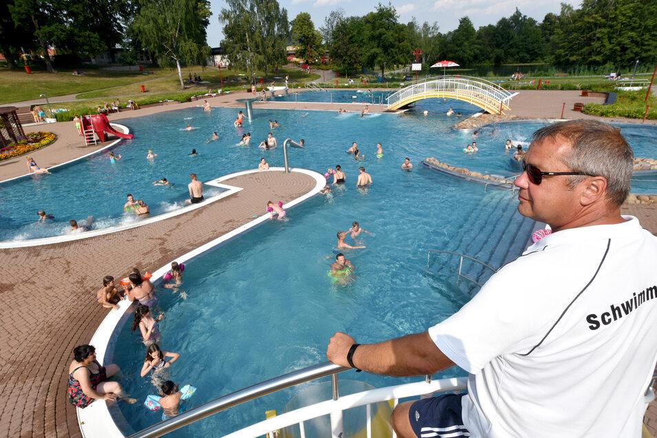Das Volksbad in Olbersdorf mit Schwimmmeister Jörg Nießner.