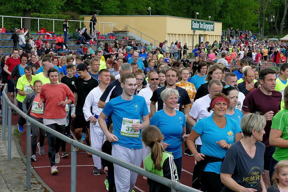 Etwa 1.000 Läufer waren beim vorerst letzten Lauf mit Herz im Mai 2019 auf der Strecke. So eine Ansammlung von Menschen war im vergangenen Jahr nicht möglich.