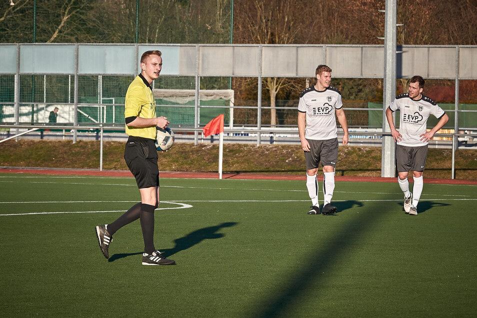 Ist als Schiedsrichter normalerweise selbst auf den Fußballplätzen der Region aktiv: KVFSOE-Chef Julian Schiebe.