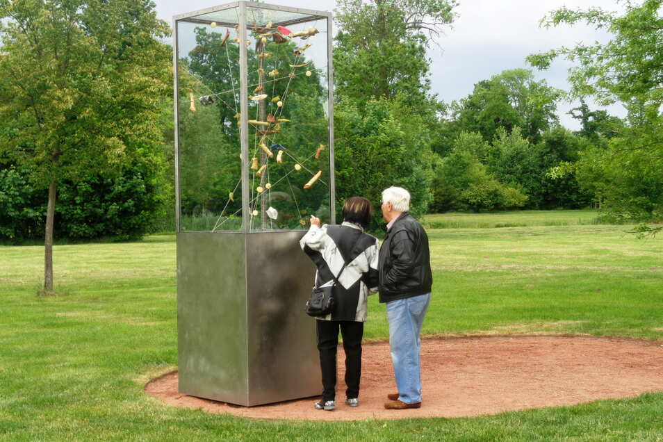 Im Großenhainer Stadtpark erinnert das Tornado-Denkmal an die Zerstörungen zu Pfingsten 2010.