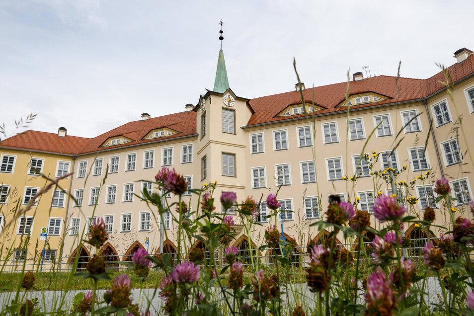 Eine Klasse der Friedrich-Fröbel-Schule in Olbersdorf muss erst mal in Quarantäne bleiben.