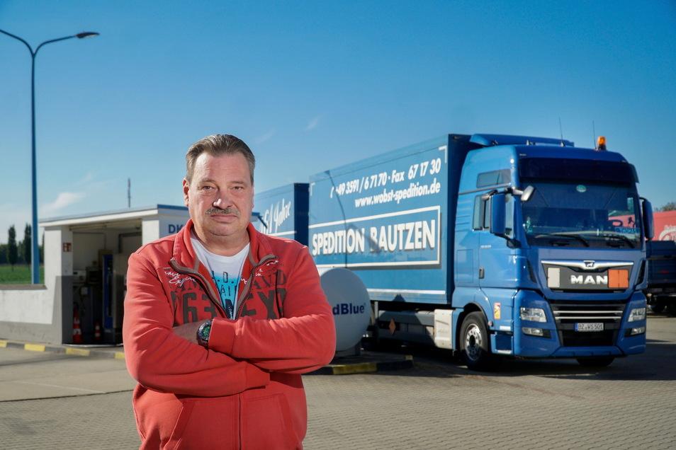 Ralf Michel ist Dispositionsleiter bei der Bautzener Spedition Wobst. Für ihn hat der Mangel an Lkw-Fahrern mehrere Gründe.