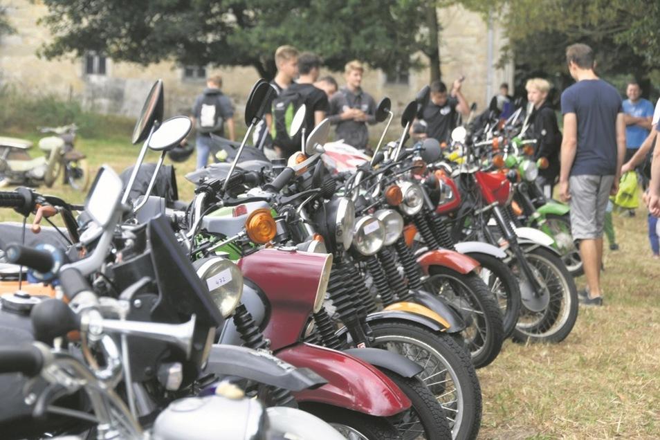 Viele Fans garantiert. Letztes Jahr starteten über 400 Simsons zur Ausfahrt.