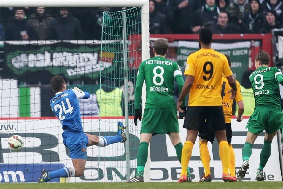 Marcel Reichwein (r.) gelang in der 66. Minute der Ausgleichstreffer, Rogier Krohne (84.) brachte die Münsteraner schließlich zur Führung.